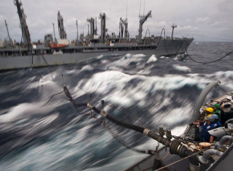 NavyRefuelingSeaHighRes