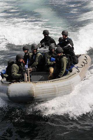 KenyaRgidNAvyBoat